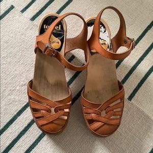 Swedish Hasbeen braised sandals